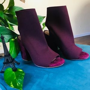 NEW Steve Madden Ferris Bootie in burgundy wine